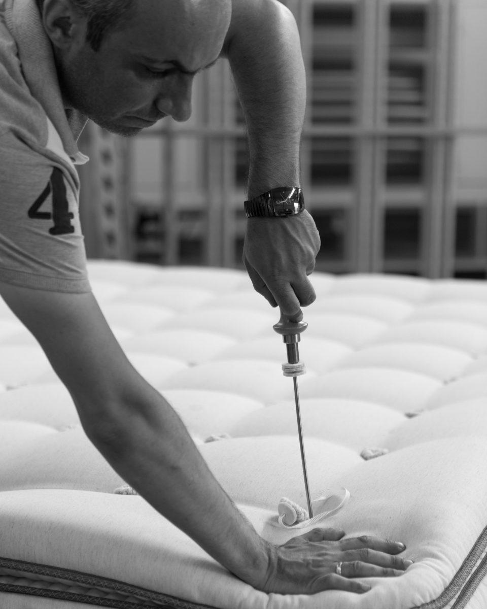 Հայկական արտադրության օրթոպեդիկ ներքնակներ․ փոքր արտադրամասից՝ միջազգային բրենդ․ Հայկ Ցիրունյան